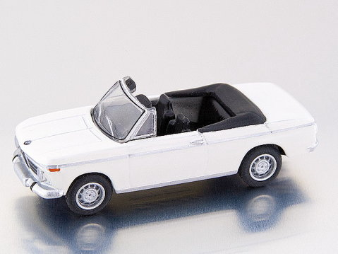 BMW 2002 CABRIO in White 1/87 scale model by BUB