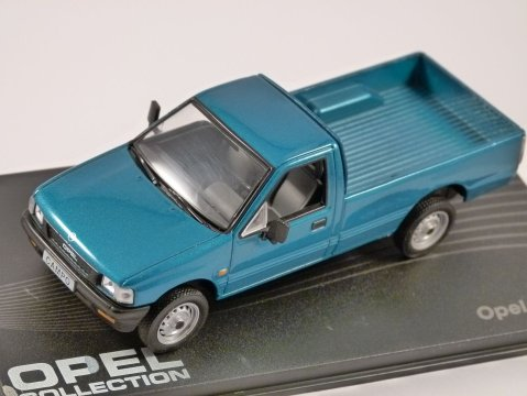 OPEL CAMPO in Blue 1/43 scale model ALTAYA Opel Collection