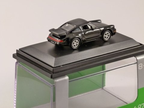 PORSCHE 911 (964) TURBO in Black 1/87 scale model WELLY