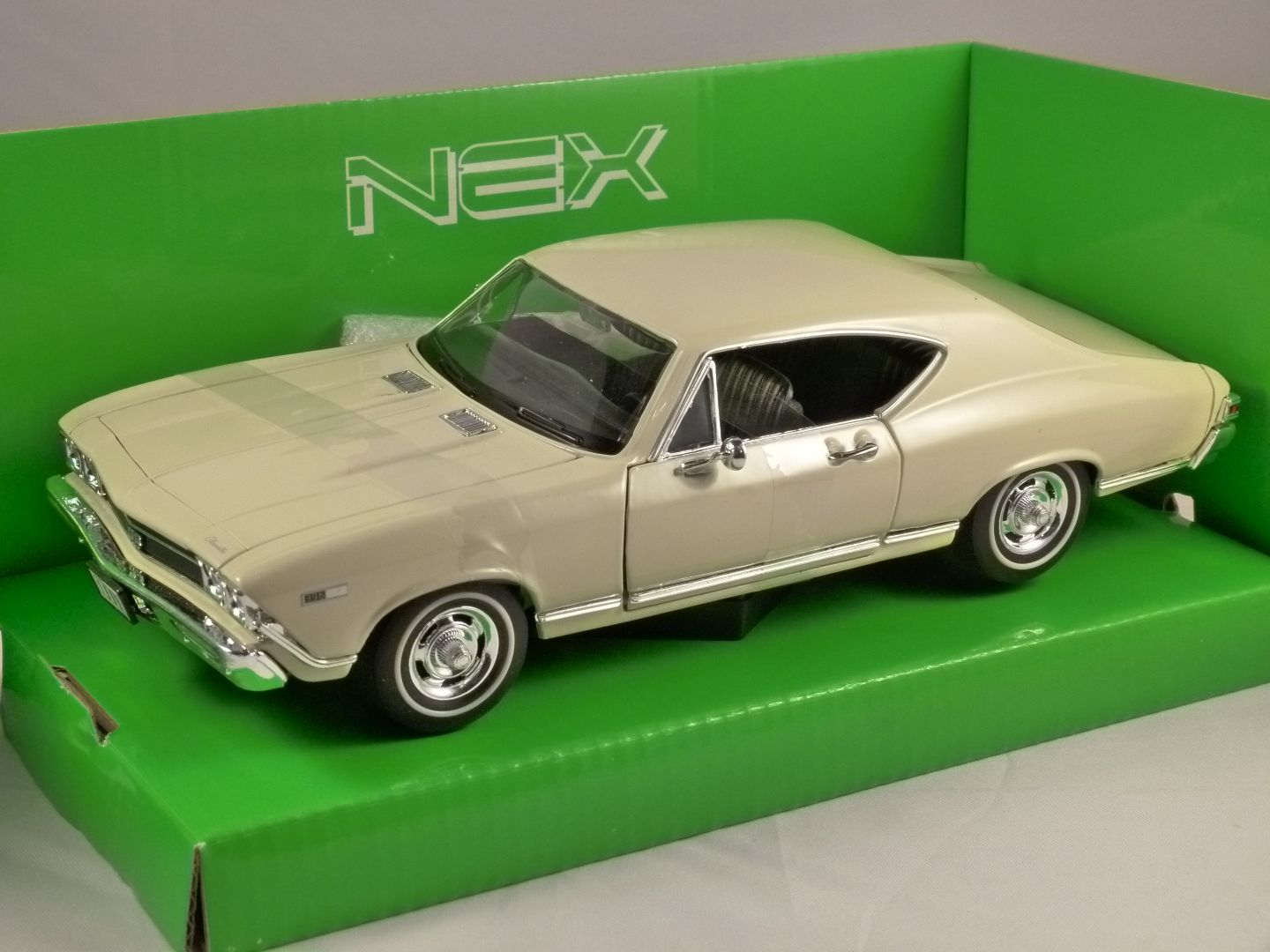 All Chevy 1968 chevrolet chevelle : 1968 CHEVROLET CHEVELLE SS 396 in Beige 1/24 scale model by WELLY