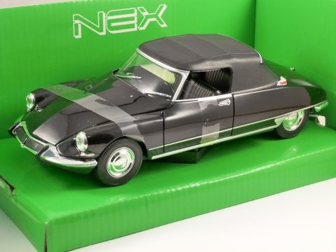 CITROEN DS 19 CABRIOLET in Black (Top Up) 1/24 scale model by WELLY
