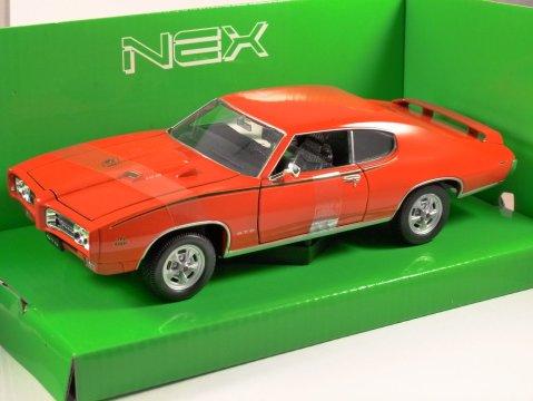 1969 PONTIAC GTO in Orange 1/24 scale model by WELLY
