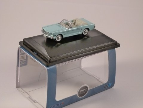 1965 FORD MUSTANG CONVERTIBLE in Turquoise 1/87 scale model OXFORD DIECAST