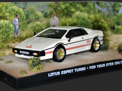 LOTUS ESPRIT TURBO White - For Your Eyes Only - 1/43 scale model James Bond