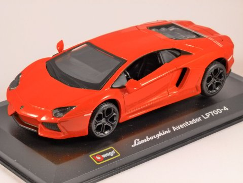 LAMBORGHINI AVENTADOR LP700-4 in Orange 1/32 scale model by Burago