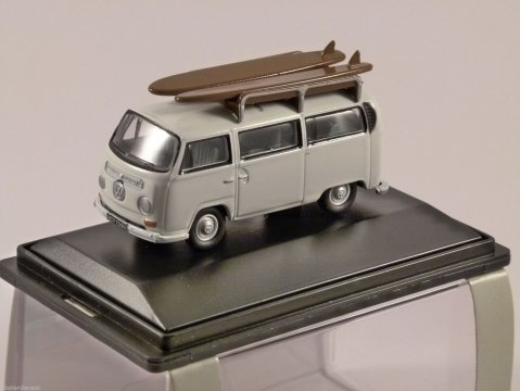 VOLKSWAGEN T2 SURF BUS in White 1/76 scale model OXFORD