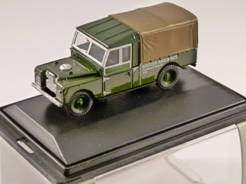"LAND ROVER 109"" - British Railways - 1/76 scale model OXFORD DIECAST"