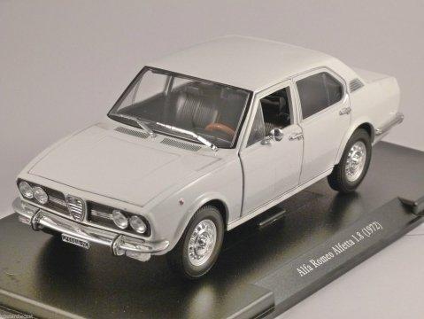 1972 ALFA ROMEO ALFETTA 1.8 in White 1/24 scale partwork model