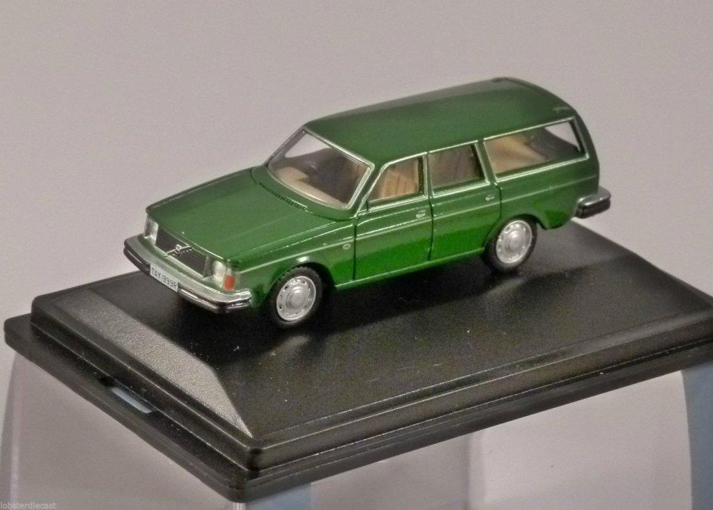 VOLVO 245 ESTATE in Green 1/76 scale model OXFORD DIECAST