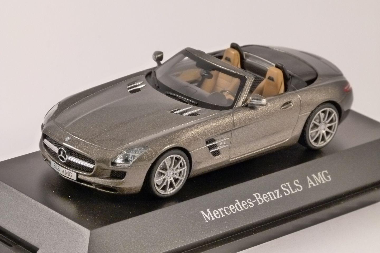 mercedes benz sls amg 1 43 scale model by schuco. Black Bedroom Furniture Sets. Home Design Ideas