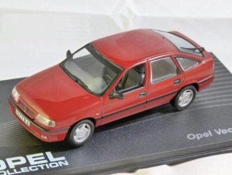 OPEL VECTRA A 2.0 GL / CAVALIER in Red 1/43 scale model ALTAYA