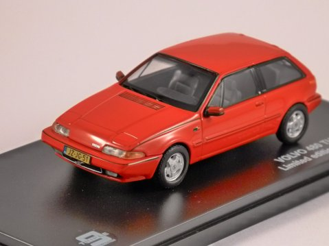VOLVO 480 TURBO in Red - 1/43 scale model Triple 9 Collection
