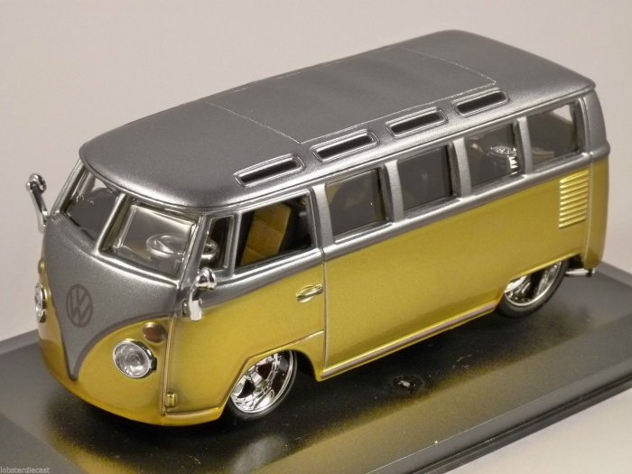 VOLKSWAGEN T1 SAMBA in Yellow / Silver 1/32 scale model by Burago