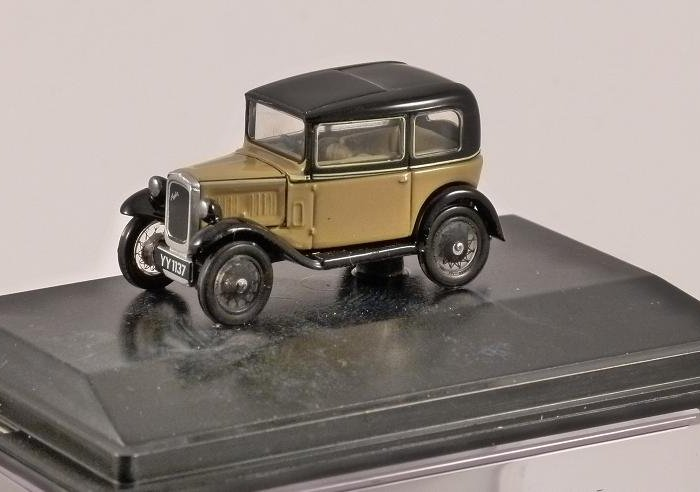 AUSTIN SEVEN RN Saloon in Fawn - 1/76 scale model OXFORD DIECAST