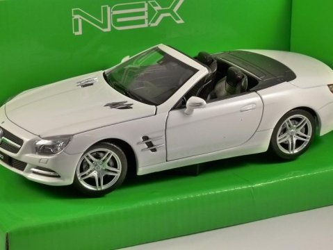 2012 MERCEDES BENZ SL500 in White 1/24 scale model by WELLY