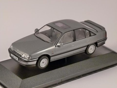 VAUXHALL CARLTON Mk2 CDX 2.0 in Smoke Grey 1/43 scale model CORGI Vanguards