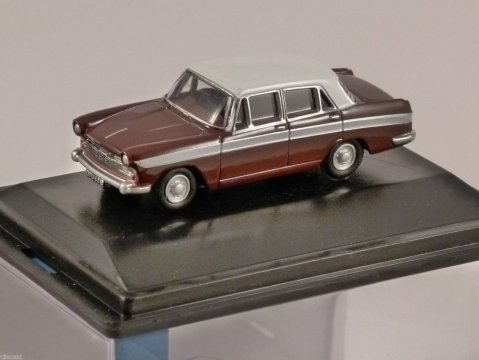 AUSTIN CAMBRIDGE A60 FARINA in Maroon / White 1/76 scale model OXFORD DIECAST