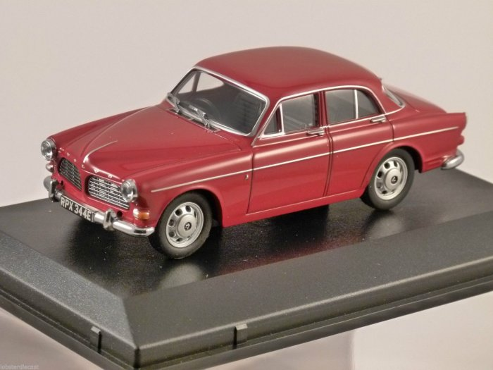 VOLVO AMAZON in Cherry Red 1/43 scale model by OXFORD DIECAST