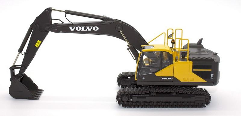 Volvo EC300E Excavator 1/50 scale model by Motorart 300046