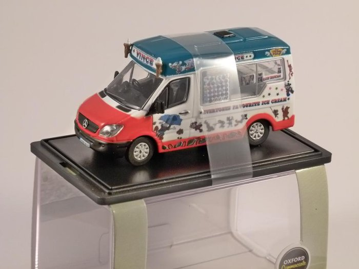 MERCEDES SPRINTER Whitby Mondial Vinces - 1/76 scale model OXFORD DIECAST