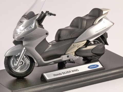 HONDA SILVER WING 1/18 scale model by WELLY