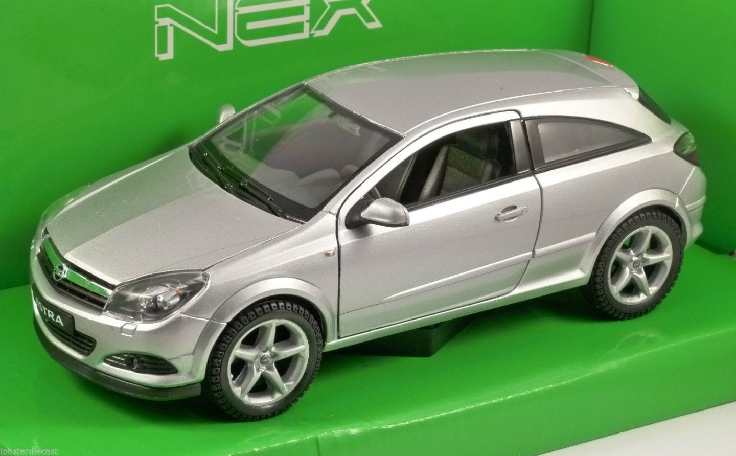 2005 opel astra gtc 3dr in silver 1 24 scale model by welly. Black Bedroom Furniture Sets. Home Design Ideas
