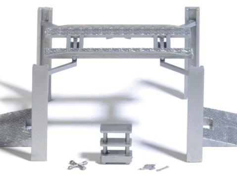 HO Garage / Workshop Car Lift & Tools 1/87 scale plastic model Busch