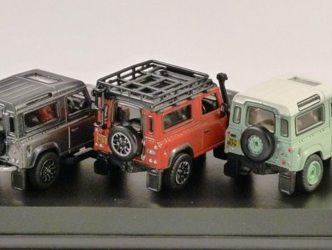LAND ROVER DEFENDER HERITAGE 3 Piece Set 1/76 scale model by Oxford Diecast