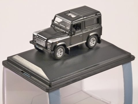 LAND ROVER DEFENDER 90 SW in Santorini Black 1/76 scale model OXFORD DIECAST