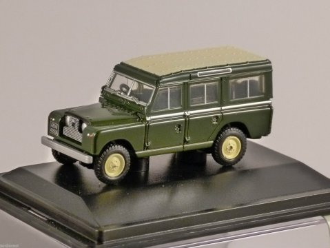 LAND ROVER S2 Station Wagon in Bronze Green - 1/76 scale model OXFORD DIECAST