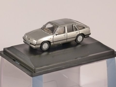 VAUXHALL CAVALIER Mk2 in Champagne Metallic 1/76 scale model OXFORD DIECAST