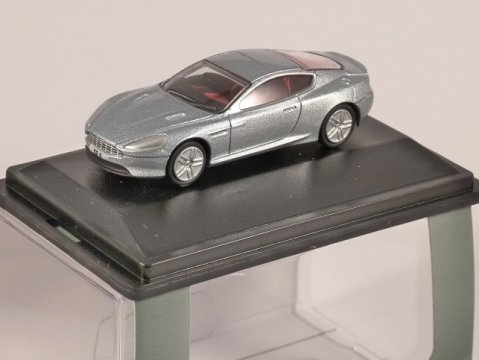 ASTON MARTIN DB9 COUPE in Skyfall Silver 1/76 scale model OXFORD DIECAST