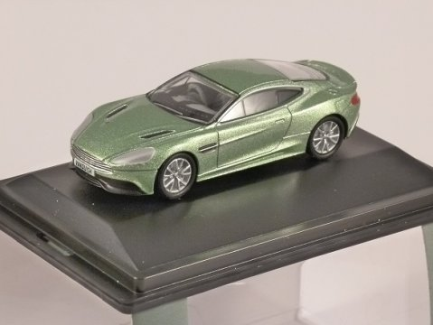 ASTON MARTIN VANQUISH COUPE in Green 1/76 scale model OXFORD DIECAST