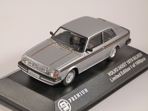 1978 VOLVO 242GT in Silver - 1/43 scale model Triple 9 Collection