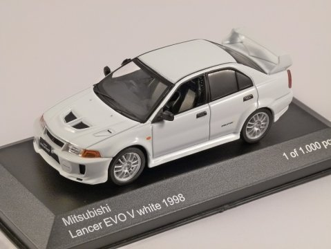 1998 MITSUBISHI LANCER EVO V in White 1/43 scale model by Whitebox