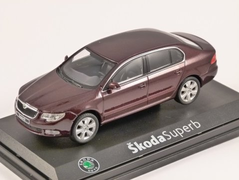 SKODA SUPERB II in Rosso Brunello 1/43 scale model ABREX