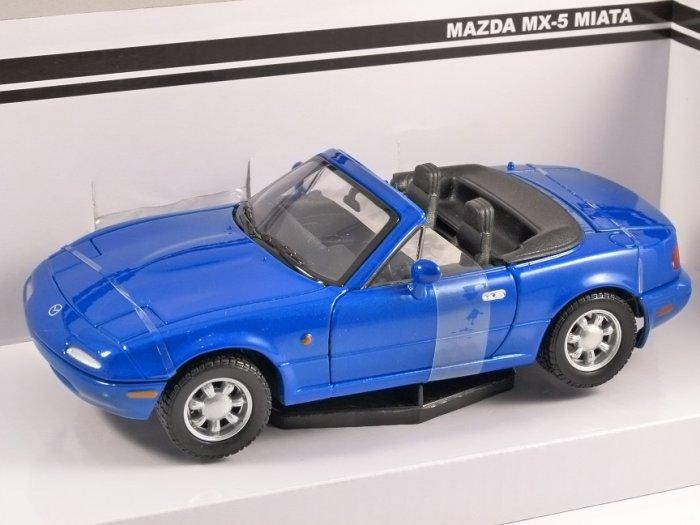MAZDA MX-5 MIATA Mk1 in Blue - 1/24 scale model by MotorMax