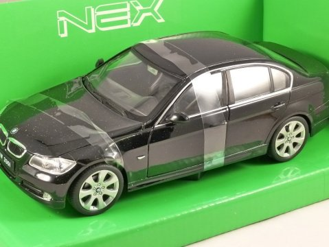 2005 BMW 330i in Black 1/24 scale model by WELLY