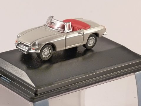 MGB Roadster in Chelsea Grey 1/76 scale model OXFORD DIECAST