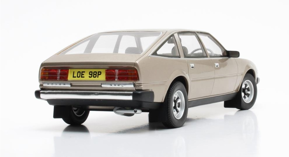 ROVER SD1 3500 1/18 scale model by Cult Scale Models