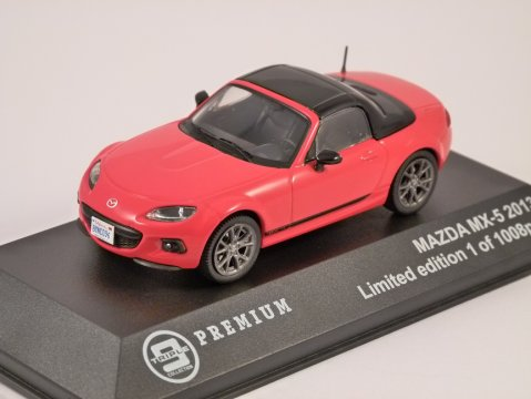 2013 MAZDA MX-5 in Red - 1/43 scale model Triple 9 Collection