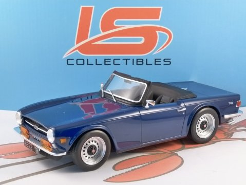 TRIUMPH TR6 in Blue 1/18 scale resin model - LS Collectables