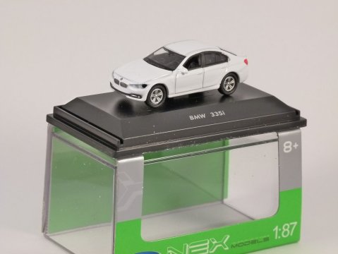 BMW 335i in White 1/87 scale model WELLY