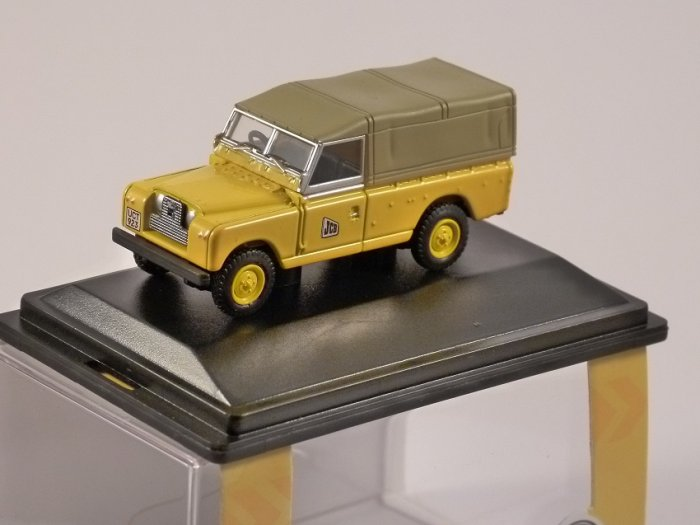 LAND ROVER Series 2 Canvas Back - JCB - 1/76 scale model OXFORD DIECAST