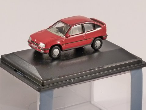 VAUXHALL ASTRA Mk2 GTE in Red 1/76 scale model OXFORD DIECAST