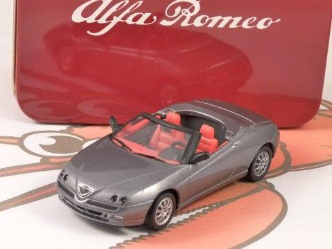 ALFA ROMEO SPIDER 1/43 scale model by SOLIDO