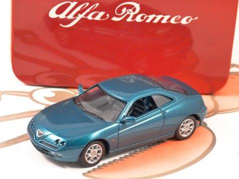 ALFA ROMEO GTV in Metallic Green 1/43 scale model by SOLIDO