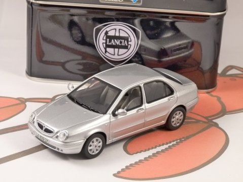 1999 LANCIA LYBRA in Silver 1/43 scale model by SOLIDO