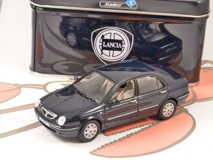 1999 LANCIA LYBRA in Dark Blue 1/43 scale model by SOLIDO