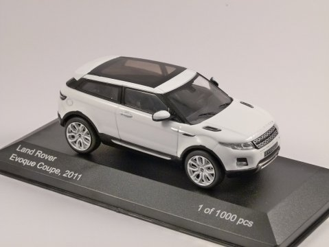 2011 RANGE ROVER EVOQUE in White 1/43 scale model by Whitebox